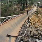 Tin tức trong ngày - Sập cầu treo ở Lai Châu, 7 người chết
