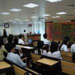 Tài chính - Bất động sản - Lãi suất giảm, chứng khoán tăng vọt