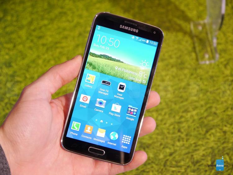 Samsung vừa chính thức trình làng chiếc smartphone cao cấp nhất của hãng cũng như tại MWC 2014 lần này là Samsung Galaxy S5.