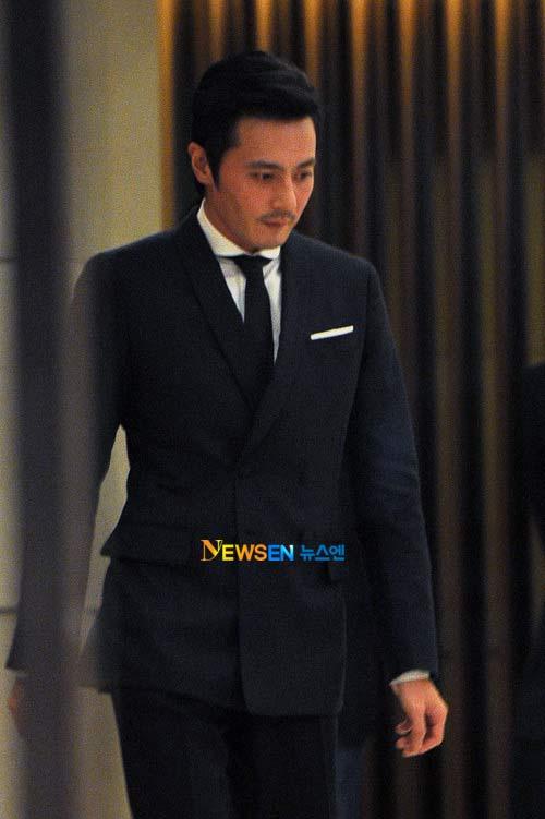 Jang Dong Gun hạnh phúc đón con gái xinh - 2