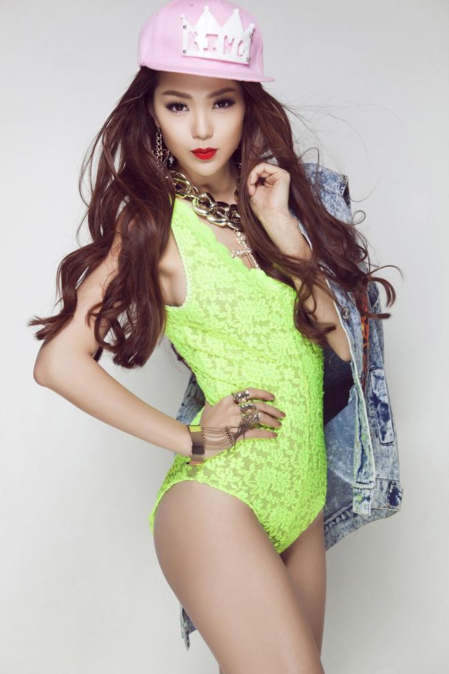 Hiện tại, Minh Hằng đang là một trong những ngôi sao giải trí nổi tiếng nhất hiện nay. Cô vẫn tiếp tục theo đuổi con đường ca hát song song với diễn xuất.