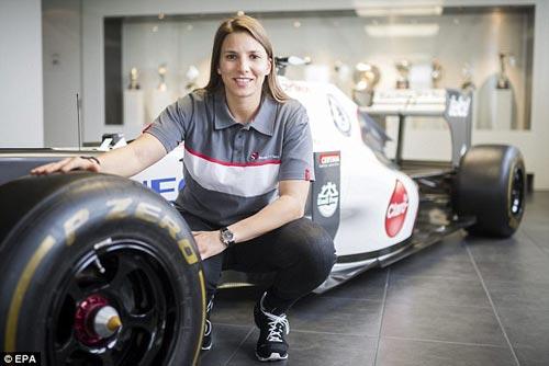 Mỹ nhân tranh tài tại F1 2014 - 3