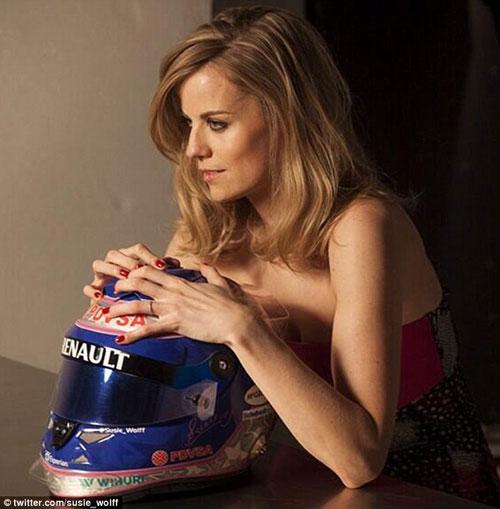 Mỹ nhân tranh tài tại F1 2014 - 2