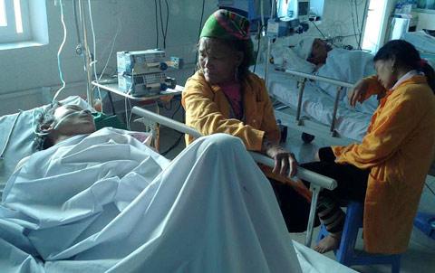 Vụ sập cầu ở Lai Châu: 7 nạn nhân vẫn nguy kịch - 1