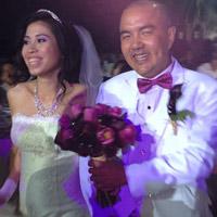 Đám cưới 'vui như Tết' của danh hài Quốc Thuận