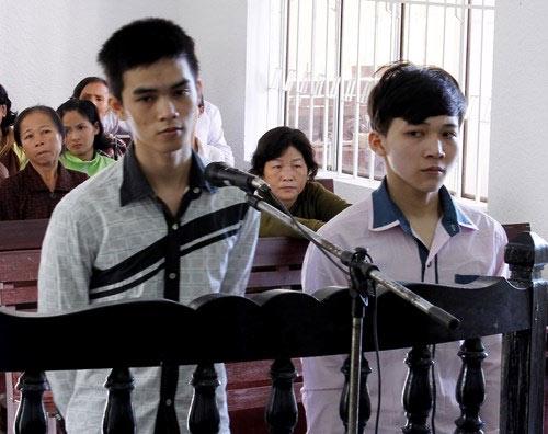 Ngoài án tử, kẻ chặt tay cướp SH lĩnh thêm 7 năm tù - 1
