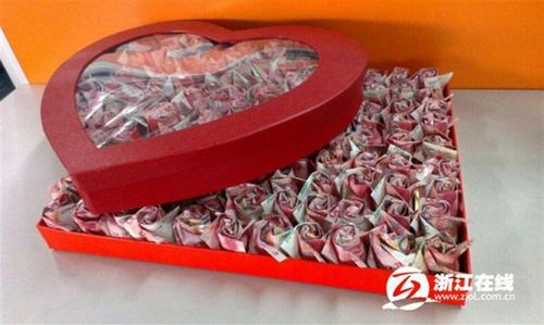 """Cầu hôn với 999 bông hoa """"đồng tiền"""" - 1"""