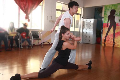 Ngô Kiến Huy trở lại Bước nhảy hoàn vũ - 5