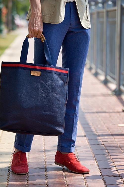Chàng công sở sành điệu với quần hồng giày đỏ - 13