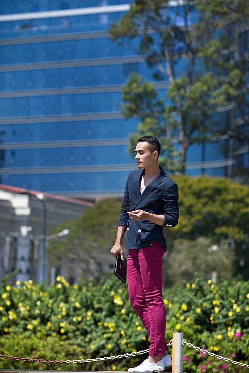 Chàng công sở sành điệu với quần hồng giày đỏ - 4