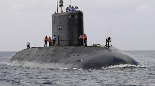 Ấn Độ: Tàu ngầm Kilo ngập khói, 2 người mất tích - 1