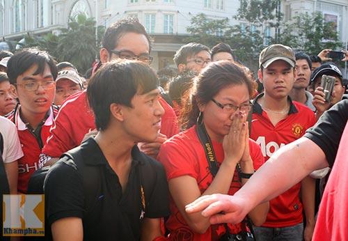 Fan Việt thất vọng với huyền thoại MU - 6