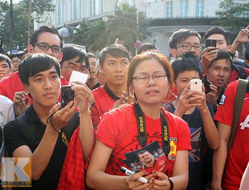 Fan Việt thất vọng với huyền thoại MU - 7