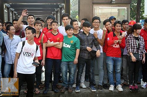 Fan Việt thất vọng với huyền thoại MU - 3