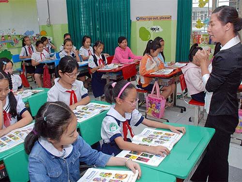 Bộ GD ra 5 tiêu chuẩn cho giáo viên tiếng Anh - 1