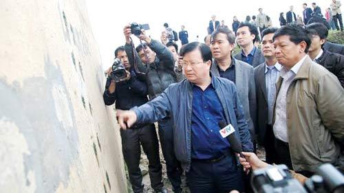 Chủ đầu tư khẳng định trụ cầu Vĩnh Tuy vẫn an toàn - 1