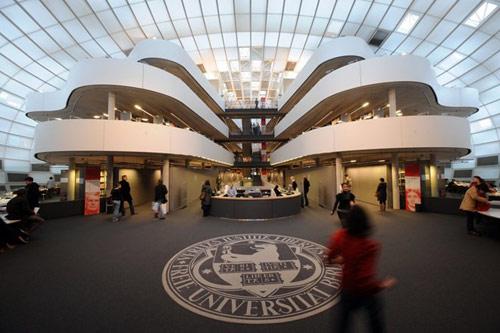 Những trường ĐH có kiến trúc lạ nhất thế giới - 8