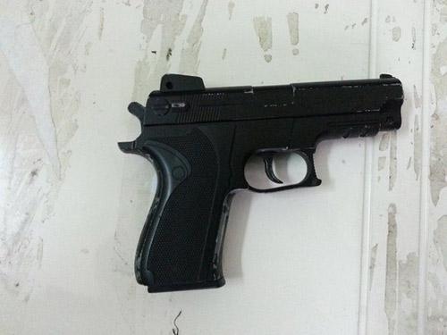 CSCĐ bắn trọng thương kẻ dùng súng chống cự - 2