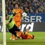 Bóng đá - Casillas xuất thần trong ngày lập kỷ lục