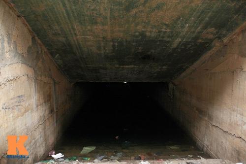 Hà Nội: Hầm đường bộ tiền tỉ thành cống ngầm - 11