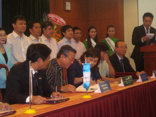 Thống đốc NHNN đề nghị giảm lãi suất cho vay - 1