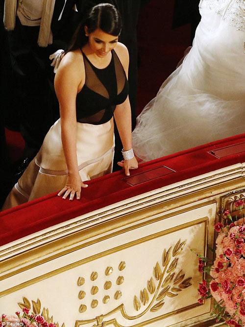 Tỷ phú chi 11 tỷ hẹn hò Kim Kardashian tức giận - 11