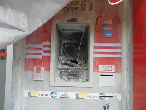 Nhiều cây ATM liên tục bị đốt ở Hải Phòng - 2
