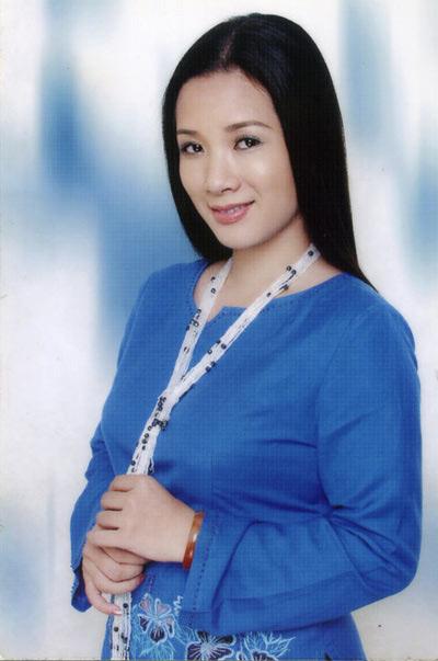 Ảnh cưới Thanh Thanh Hiền và con trai Chế Linh - 2
