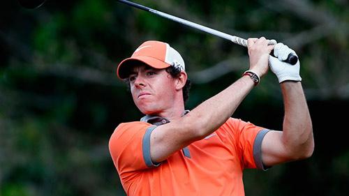 """Golf: McIlroy """"lên đồng"""", Tiger Woods """"mất tích"""" - 1"""
