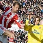 Bóng đá - Stoke - Arsenal: Quả penalty quyết định