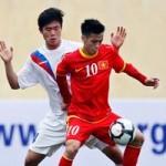 """ĐT Việt Nam  """" chấp """"  đối thủ 1 người"""