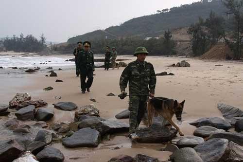 Ảnh: Theo chân chiến sĩ biên phòng đi tuần tra - 8