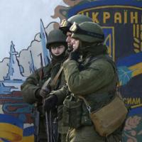 Nóng ở Ukraine: Súng đã nổ trên bán đảo Crimea
