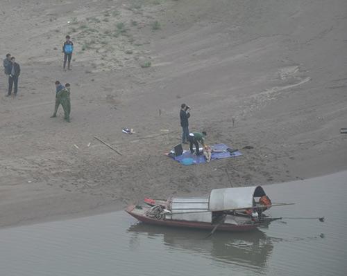 HN: Phát hiện xác chết nổi gần cầu Vĩnh Tuy - 1