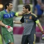 """Bóng đá - Buffon–Casillas: Những """"người nhện"""" bất tử"""