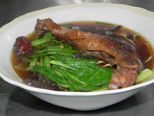 4 món mì gốc Hoa quen thuộc của Sài Gòn - 1