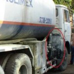 Tin tức trong ngày - Liều mình cứu xe bồn chở xăng cháy rừng rực