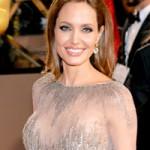 Phim - Angelina Jolie: Tôi vẫn phải phẫu thuật ngực nữa