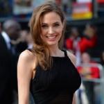 Làm đẹp - Angelina Jolie hài lòng vì phẫu thuật ngực