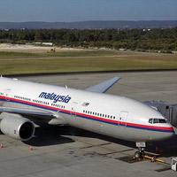 Máy bay Malaysia chở 239 người mất tích