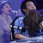 Ca nhạc - MTV - Hương Giang nhảy lên bàn khiến Thái Hòa hoảng