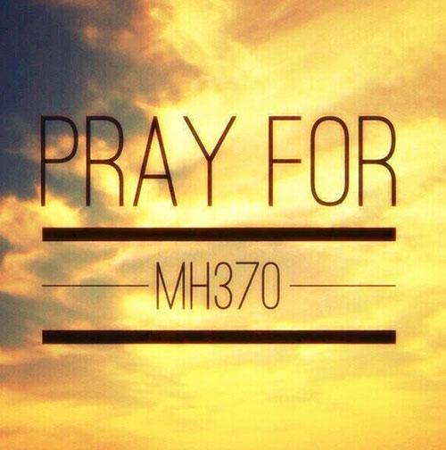 Dân mạng cầu nguyện cho máy bay mất tích - 3