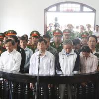 """Sáng nay, xử """"đại án tham nhũng"""" ở Đắk Nông"""