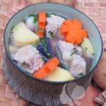 Ẩm thực - Canh khoai tây nấu sườn nóng hổi