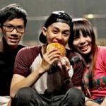 Ngôi sao điện ảnh - Noo Phước Thịnh được fan chăm sóc