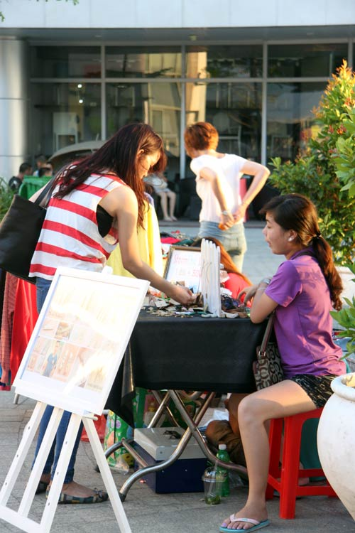 """Chợ thời trang """"ngon-bổ-rẻ"""" giữa Sài Gòn - 16"""