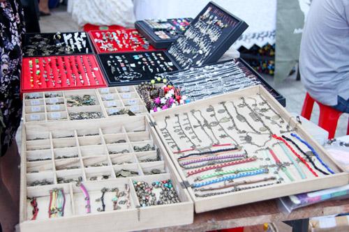 """Chợ thời trang """"ngon-bổ-rẻ"""" giữa Sài Gòn - 13"""