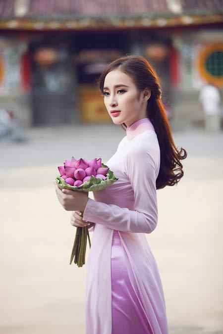 Váy áo hiền ngoan bất ngờ của Phương Trinh - 5