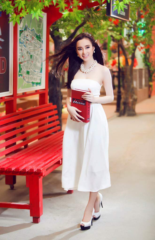 Váy áo hiền ngoan bất ngờ của Phương Trinh - 10