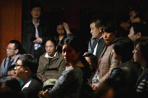 Vì sao hành khách MH370 không gọi điện cầu cứu? - 2